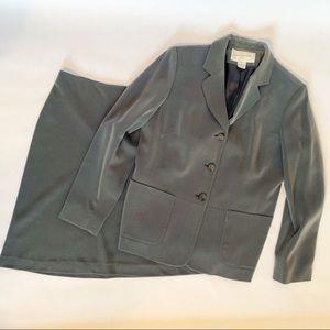 Jones New York Women's 2 Piece Gray Skirt Suit 12